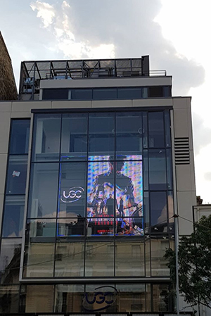 UGC va pouvoir agrandir deux de ses cinémas en Ile-de-France. La commission  nationale d aménagement cinématographique a autorisé l extension de son UGC  Ciné ... 0d5f46a1b12